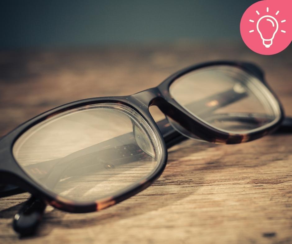 Meu óculos ou meus óculos? Qual é o correto?